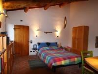 appartamento GINESTRA - zona letto ed ingresso bagno