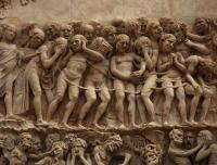 Orvieto-Duomo-facciata-bassorilievo