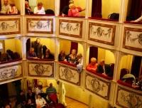 Teatro-piu-piccolo-del-mondo-Monte-Castello-di-Vibio
